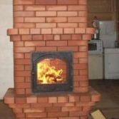 кирпичная печь в доме огонь в камине фото