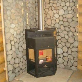 угловая печь-камин в доме фото
