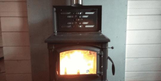 огонь в печи-камине La Nordica Isetta