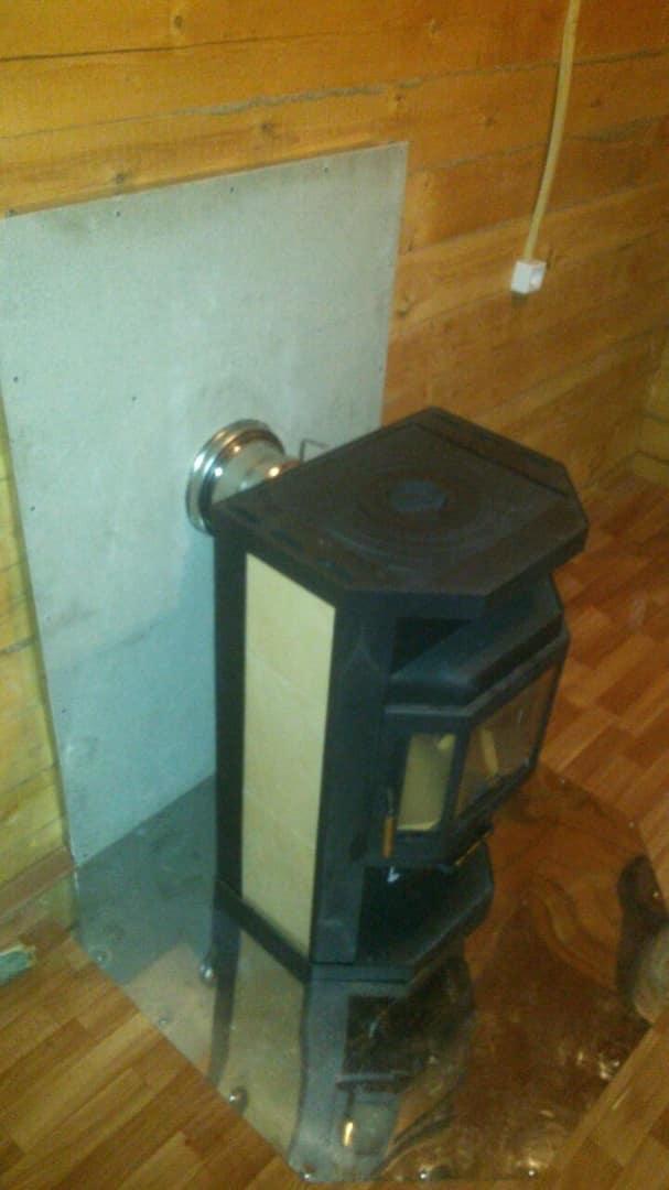установка печи с варочной поверхностью в доме